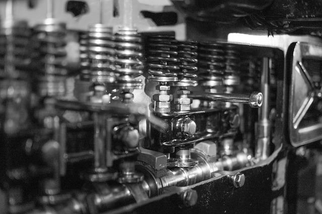 A Job As An Auto Truck Or Diesel Technician / Mechanic